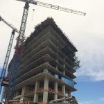 Fall safety netting used on ahigh rise construction project